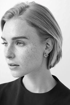 Contrast shape earrings
