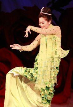 Myanmar traditional dance