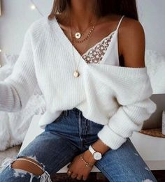 Our style inspiration for our #minimalistjewelry #minimalistjewellery #minimalist #jewellery #jewelry #jewelleries #jewelries #minimalistaccessories #bangles #bracelets #rings #necklace #earrings #womensaccessories #accessories #minimalistbabe #minimalistbabes