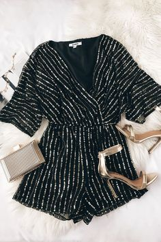 Odelia Black and Gold Sequin Romper - Damen Mode 2019 Look Fashion, Fashion Outfits, Womens Fashion, Fashion Black, Looks Style, My Style, Looks Party, Outfit Chic, Inspiration Mode