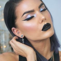 See this Instagram photo by @lindahallbergs • 12.9k likes Black lips, alchemist palette iridescent