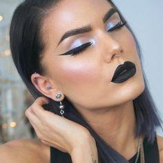 See this Instagram photo by @lindahallbergs • 12.9k likes Black lips, alchemist palette iridescent