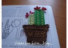 Another cute bookmark/appliqué. Free tutorial in Spanish and English.