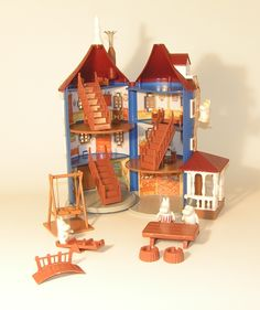 Moomin dollhouse. I want one! No, not for the kid, for me!
