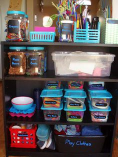 Art Supplies Storage.. I wish my craft area looked like this!