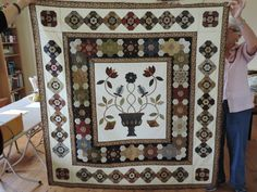 I conducted another workshop for the Misty Mountains Quilters at Wentworth Falls today. The ladies have been working very hard on their quil. Medallion Quilt, Quilting Designs, Needlework, Applique, Quilt Shops, Workshop, Diy Crafts, Hexagons, Quilts