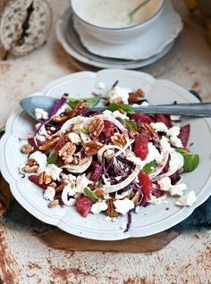 Red cabbage and fennel salad with tarragon and lemon yoghurt