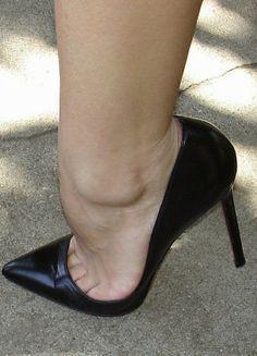 Sexy High Heels, Rosa High Heels, High Heels Boots, Frauen In High Heels, Black Stiletto Heels, Pink High Heels, Beautiful High Heels, Sexy Legs And Heels, Dress And Heels