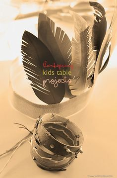 5 Thanksgiving Kids table projects | willowday Love the bracelet ideas on this list!