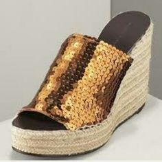 Marc Jacobs glitter espadrilles Stunning espadrilles, perfect for any time of the year  but will definitely add some sparkles to your holiday gathering. In excellent condition. Marc Jacobs Shoes Wedges