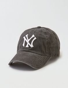 8e79e2ab3 Yankees cap Yankees Hat, New York Yankees Baseball, Baseball Hats, Outfits  With Hats