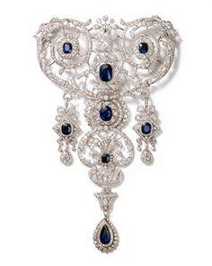 Stomacher brooch. Cartier Paris, special order, 1907. Platinum, sapphires, diamonds; 21 x 12.9 cm. Cartier Collection