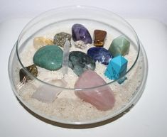 Chakra Crystals, Crystals And Gemstones, Stones And Crystals, Orishas Yoruba, Meditation Corner, Feng Shui House, Crystal Aesthetic, Pebble Mosaic, Tea Candles