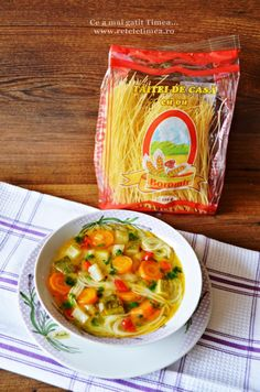 supa de legume cu taitei 2 Cooking Recipes, Easy Recipes, Thai Red Curry, Goodies, Food And Drink, Easy Meals, Healthy, Food Food, Ethnic Recipes