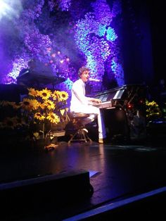 Mika Penniman at the piano - unknown gig (in white)