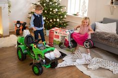Traktor na šliapanie #Jim #Loader #BIG s nakladačom a prívesom zelený