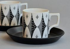 Portmeirion 'Black Diamond' coffee cup    		One of Susan Williams-Ellis' earlier designs, this is a cheaper  version with no gold highlights