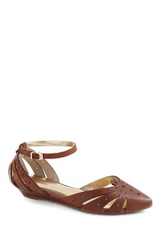 Siren Call Sandal in Cocoa. Theres no resisting the adorable allure of these sweet Seychelles flats! #brown #modcloth