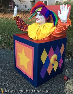 Amazing Homemade Jack in the Box Costume for Halloween Halloween Prop, Boxing Halloween Costume, Homemade Halloween Costumes, Halloween Party Supplies, Halloween Jack, Holidays Halloween, Halloween Decorations, Jessie Halloween, Diy Costumes For Boys