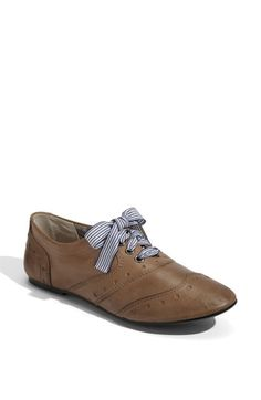 Shoe lace love....maybe I'll just get some ribbon and change out my current oxford laces for something cute like this.