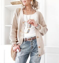 Fashion Trends for Women Over 50 - Fashion Trends Knit Fashion, Fashion Over 50, Ootd Fashion, Fashion Ideas, Fashion Trends, Over 50 Womens Fashion, Soft Summer, Boyfriend Jeans, Your Style