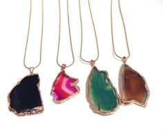 super cute necklaces that will add some color to your outfit