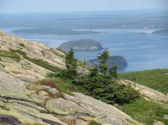 Planning a road trip through Maine? Check out our recommendations: http://www.travelandescape.ca/2012/05/off-the-main-path-in-maine/