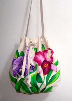 bolsos de lona pintados a mano - Buscar con Google Novelty Handbags, Purses And Handbags, Painted Bags, Handmade Paint, Diy Tote Bag, Simple Bags, Summer Bags, Cute Bags, Fabric Painting