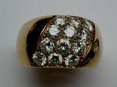 Splendido anello in oro rosso con 12 diamanti! Venite a trovarci a Como, Piazzetta Pinchetti1...Vi aspettiamo!