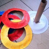 10 propositions de jeux d'adresse (pour inspiration)... Des assiettes en carton, un tube de récup. et le tour est joué : clic Des rouleaux de papier WC et des billes : clic  un panier, des...