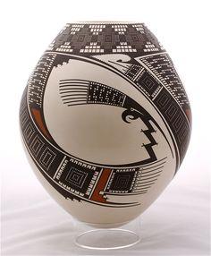 Modern Mata Ortiz | Large Polychrome Vase by Noe Quezada