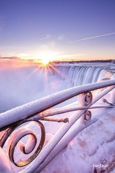 Frozen Sunrise, Niagara Falls, New York photo via daniel - Blue Pueblo