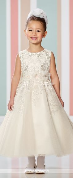 Cheap communion dresses, Buy Quality first communion dresses directly from China communion dresses for girls Suppliers: 2017 Cheap First Communion Dresses for Girl Ankle Length Organza Applique A Line Flower Girl Pageant Dresses Tulle Flower Girl, Wedding Flower Girl Dresses, Bridal Wedding Dresses, Flower Dresses, Organza Flowers, Flower Girls, Dresser, White Ball Gowns, Satin Bridesmaid Dresses