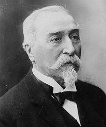 Émile Combes:  homme politique français (Roquecourbe, Tarn, 1835- Pons, Charente-Maritime 1921). Séminariste à Castres, il étudie la théologie et enseigne au collège de l'Assomption à Nîmes. A la suite d'une crise de conscience, il devient médecin, puis commence une carrière politique qui le conduit au Sénat en 1885. Ministre de l'Instruction publique et des Cultes en 1895, il devient président du Conseil en juin 1902, alors que la querelle de l'Eglise et de l'Etat est au plus fort.