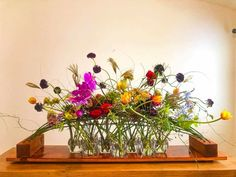 Creative Flower Arrangements, Ikebana, Glass Vase, Artist, Flowers, Plants, Art Floral, Inspiration, Floral Designs