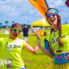 Help us get to #2000 followers! Tell your friends about the #flavorrun! Do you have a #selfie with a #flavorstaffer? Send it to us or tag us! Don't forget to join the #flavorcontest on fb