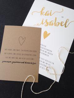 """HOCHZEITSPAPETERIE """"Herz aus Gold"""" in Kombination mit einer Kraftpapierkarte Hochzeit, Einladung, Hochzeitseinladung, Gold, Kraftpapier, Pappe, Kalligrafie, Calligraphy, Heißfolie, Postkarte, Save the Date  by www.zartmint.de"""