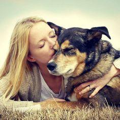 Quer namorar? 5 razões para escolher alguém que ama cães
