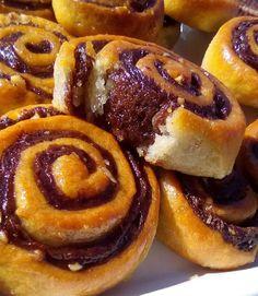 Ροξάκια νηστίσιμα !!! ~ ΜΑΓΕΙΡΙΚΗ ΚΑΙ ΣΥΝΤΑΓΕΣ 2 Small Cake, Doughnut, Waffles, Cake Recipes, Cooking Recipes, Sweets, Homemade, Vegan, Breakfast