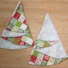 Christmas Tree Napkins DIY- someone remind me to sew these next November!