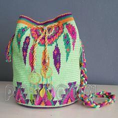 Marvelous Crochet A Shell Stitch Purse Bag Ideas. Wonderful Crochet A Shell Stitch Purse Bag Ideas. Crochet Shell Stitch, Crochet Hook Set, Love Crochet, Hand Crochet, Crochet Baby, Knit Crochet, Crochet Drawstring Bag, Mochila Crochet, Crochet Handbags
