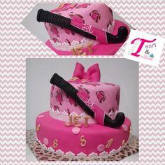 #Field#hockey 8th Birthday, Birthday Cake, Hockey Cakes, Hockey Party, Field Hockey, Cake Designs, Baby Shower, Baby Car Seats, Birthdays