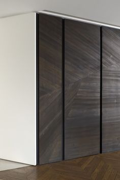 Tristan Auer- Appartement - veneer at doors