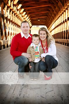 Holiday Photo   Christmas Photography   Family Holiday Portrait   Linden Photography + Design