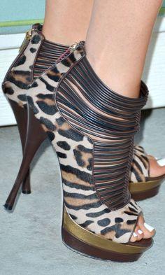 Khloe Kardashian shoes - These are amazing!