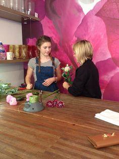 Trainee florist Ishbel having a tutorial from florista Carla. www.flowerstudioshop.co.uk
