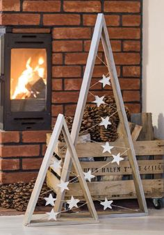 17 diy simple and beautiful christmas wood – Home . 17 diy simple and beautiful christmas wood – Home Decor Christmas Tree Painting, Wood Christmas Tree, Winter Christmas, Christmas Ornaments, Holiday Tree, Christmas Tree Out Of Lights, Handmade Christmas, Wooden Xmas Trees, Outdoor Christmas Tree Decorations