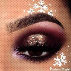 Amazing Christmas Makeup IdeasYou can find Eyeshadow makeup looks and more on our Amazing Christmas Makeup Ideas Makeup Artist Near Me, Becoming A Makeup Artist, Best Makeup Artist, Christmas Tree Printable, Christmas Tree Pattern, Eyeshadow Makeup, Hair Makeup, Diy Christmas Baskets, Red Makeup Looks