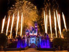 Disneyland fireworks: Projections add new dimension
