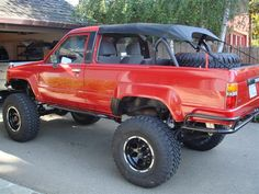 1st Gen 4Runner Bikini Top Pics and Write-up - TTORA Forum Toyota Garage, Toyota 4x4, Toyota Trucks, Toyota Hilux, Toyota Tacoma, 4x4 Trucks, Jeep Truck, Truck Mods, Lifted Trucks